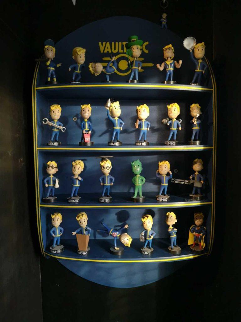 fallout bobblehead shelf complete